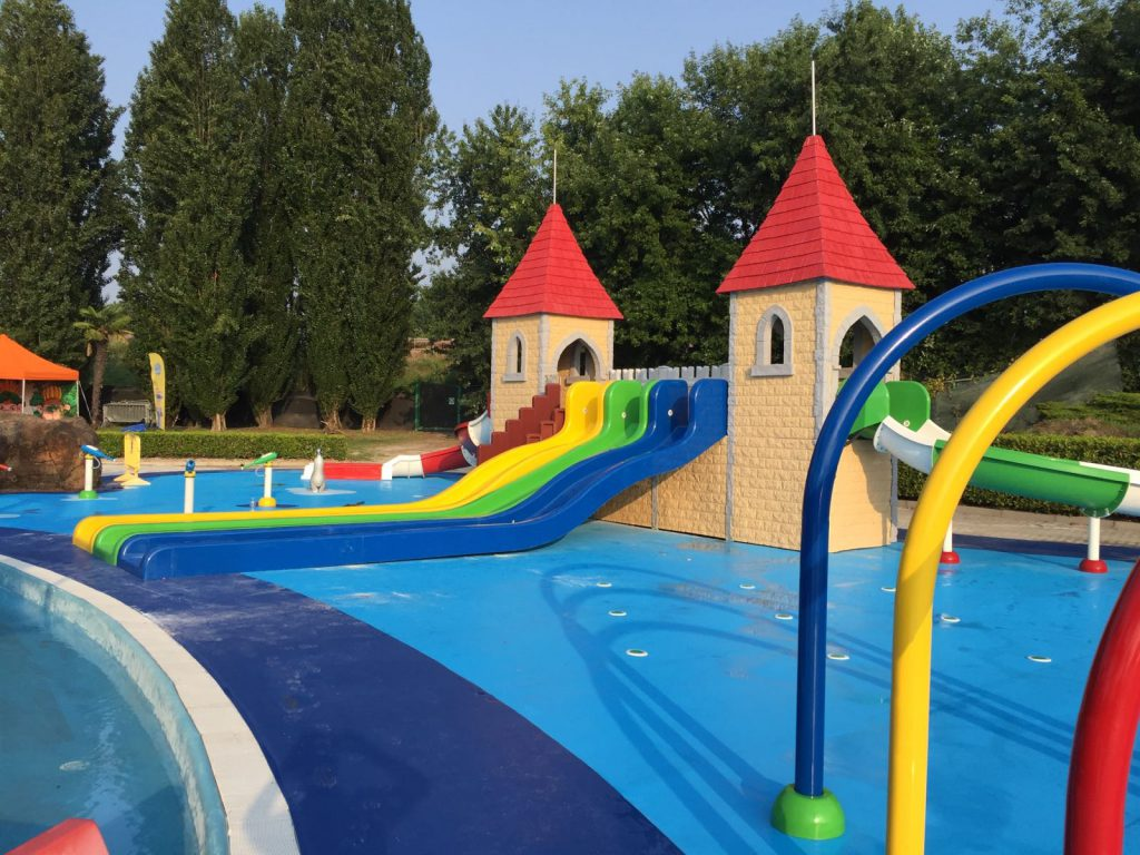 Spray park acquatica park Bowling swimming pool opening times